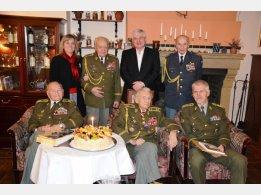Oslava 97. narozenin generála Alexandra Beera, popřát přišel náčelník GŠ AČR Petr Pavel a bývalý předseda vlády ČR Jiří Rusnok