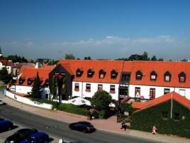 Hotel Parkhotel Průhonice - Summer