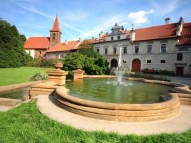 Pruhonice - castle