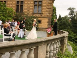 Wedding ceremony at the Castle - Courtyard